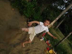 kid-395660_1280